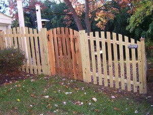 1 x 4 x 5 Picket Fence with Oval or Arched top