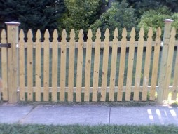 Colonial Gothic picket fence