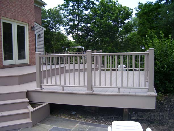 finished_refloored_deck_phoenix_fence_gaithersburg