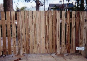 1 x 4 Picket with a 1 x 4 Gate