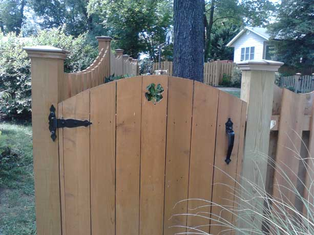 Fence gate with custom design