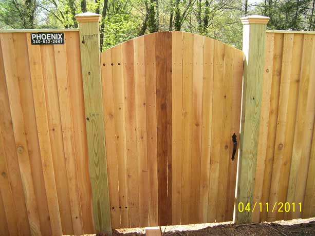 Privacy fence gate with arched top front view